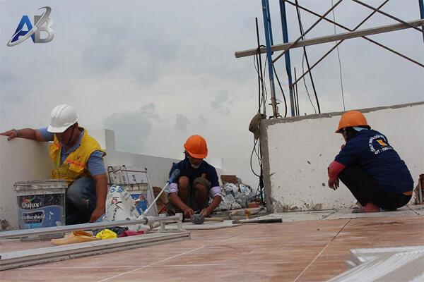 Thợ sửa chữa chống thấm dột tại TPHCM
