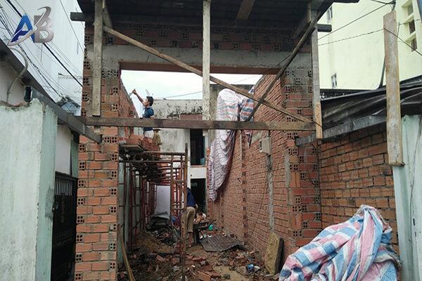 Thợ sửa chữa nhà tại ở quận 8