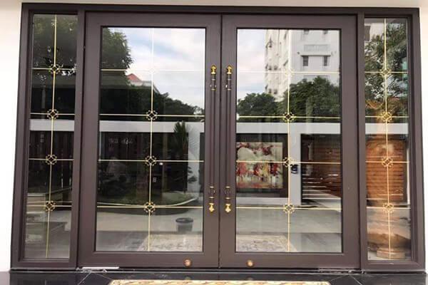 Sửa cửa kính TPHCM nhanh chóng- chất lượng - giá rẻ